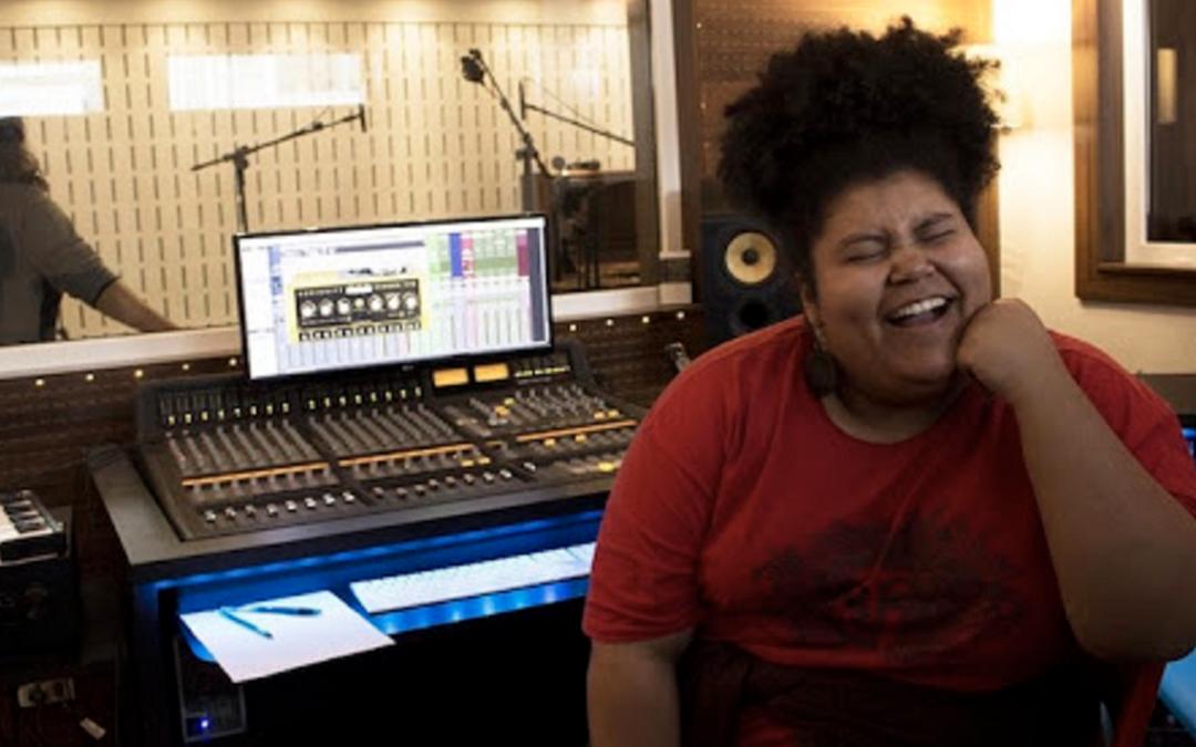 Érica Silva, da banda Mulamba, fala sobre o negro no rock, no podcast Tô na Trace