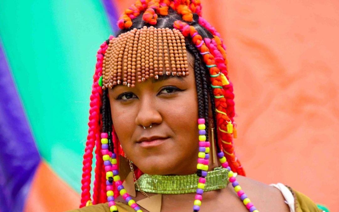 Multiartista Luiza Loroza é uma das atrações do Newcomers, na Trace Brazuca