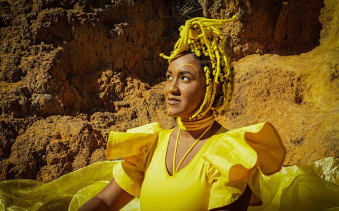 Luiza Loroza lança 'Areia', segundo single de sua carreira como cantora