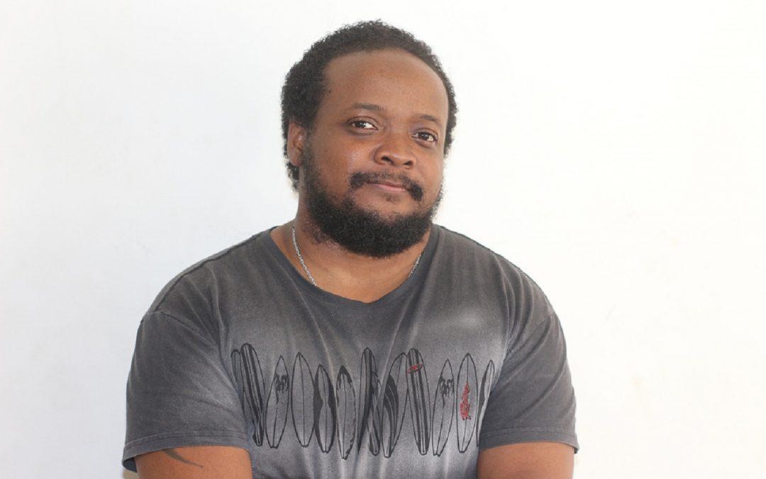 Leonardo Peçanha lança livro sobre transmasculinidades negras brasileiras