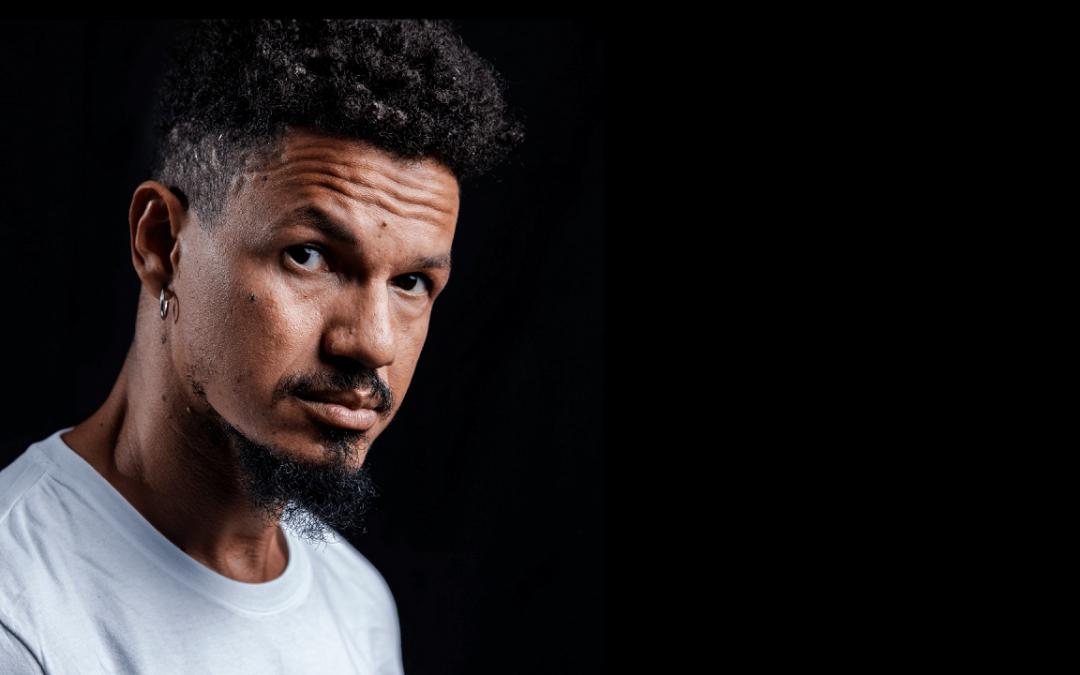 Cantor pernambucano Zé Manoel estreia como indicado ao Grammy Latino