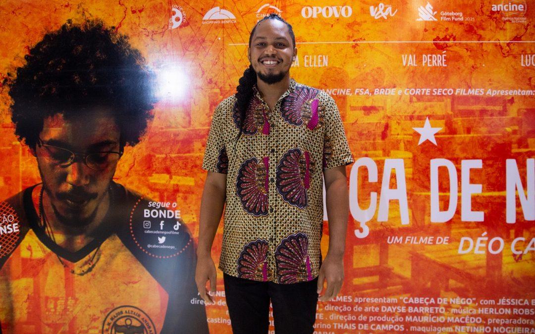 Protagonista de 'Cabeça de Nêgo', Lucas Limeira prestigia pré-estreia do filme